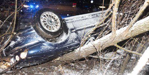 Schleuder-Unfall auf der A14: Auto landet im Straßengraben