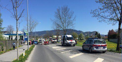 Motorrad kollidierte mit Pkw: Tödlicher Verkehrsunfall in Hard