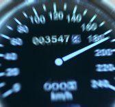 Aus Liebeskummer mit 160 km/h durch den Ort gerast