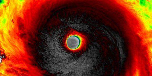 9-Meter-Wellen und 285 km/h: Super-Taifun rast auf Taiwan zu