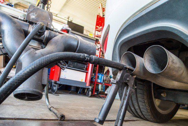 Harter Schlag für Autoindustrie - Stromantriebe könnten profitieren.