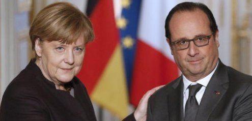 """Merkel bei Hollande: """"IS muss militärisch bekämpft werden"""""""