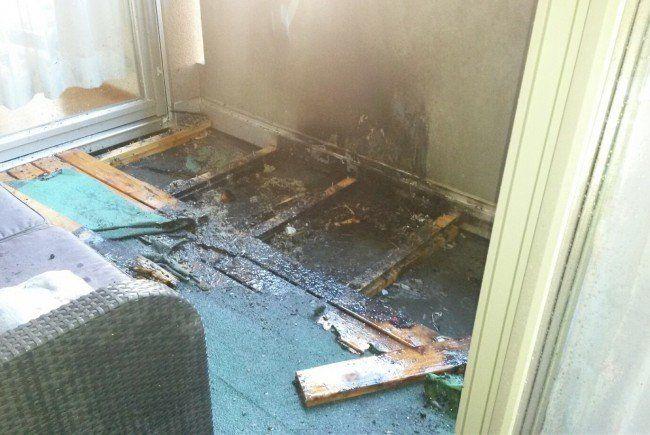 Laterne setzt balkon in schrunser wohnhaus in brand Balkon laterne