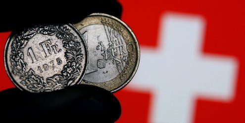 """""""Frankenschock"""" bremst die Schweizer Wirtschaft deutlich"""