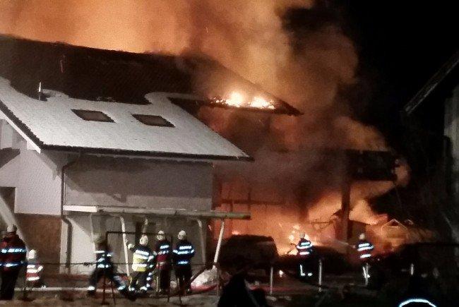 Leserreporter: Großbrand in Diepoldsauer Wohngegend