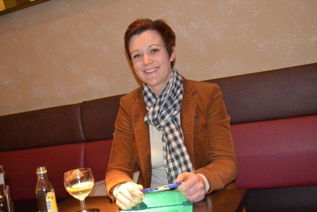 """Eva-Maria HochEva-Maria Hochhauser: """".Ich erlebe momentan eine sehr positive Grundstimmung in der Bevölkerung, sehr viele Menschen möchten konstruktiv Integration leben."""""""