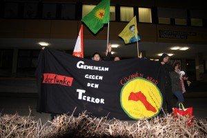 Kleine Kurden-Demo vor dem türkischen Konsulat in Wolfurt