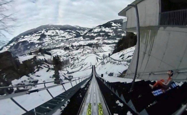 Mit der 360°-Aufnahme einen einmaligen Blick auf das Skispringen erleben.
