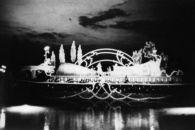 Das einzig erhaltene Bild von der Bregenzer Seebühne im Jahr 1946.