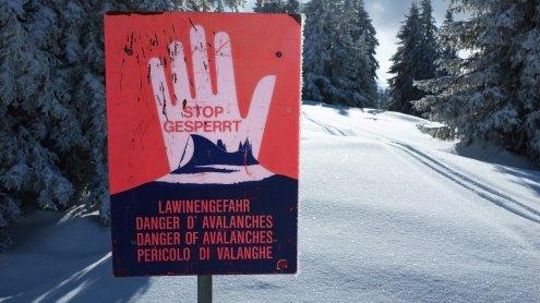 Triebschnee verdeckt gefährliche Stellen: Die Lawinengefahr steigt