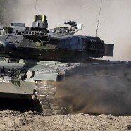 Schweiz fährt mit Panzern an der Grenze auf