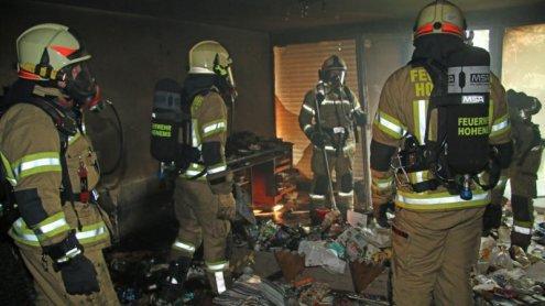 Feuerwehr-Großeinsatz nach Wohnungsbrand in Hohenems