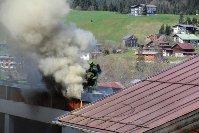 Umbauarbeiten lösten wohl den Dachbrand aus.