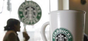 Frau verklagte Starbucks wegen zu vieler Eiswürfel im Kaffee