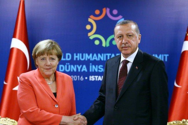 """Четыре раза """"геноцид"""" в адрес Эрдогана"""