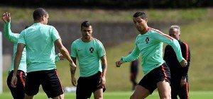 """""""Minimalisten"""" Portugal und Polen eröffnen EM-Viertelfinale"""