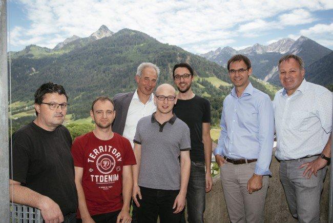 Bei Teslab Consulting GmbH wurde Landeshauptmann Markus Wallner von Geschäftsführer Otmar Ganahl und seinem Team begrüßt