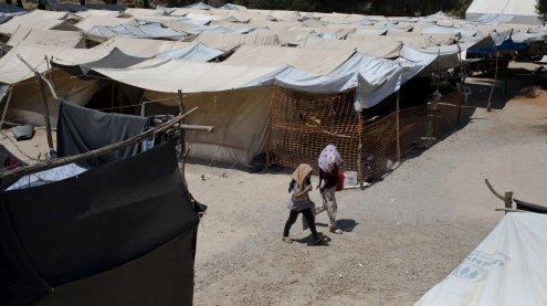 EU stattet Flüchtlinge in Türkei mit 30-Euro-Geldkarten aus