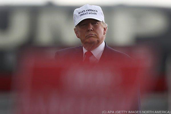 Trump bricht zunehmend die Brücken zur eigenen Partei ab.