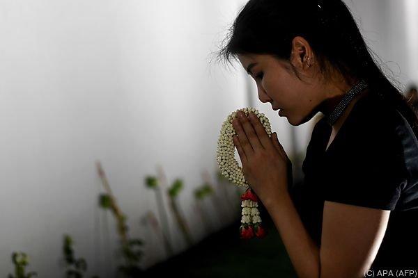 Thailand steckt in tiefer Trauer