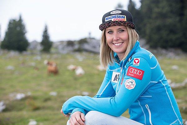 Cornelia Hütter will bis zu den Nordamerikarennen wieder fit sein