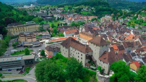 Unbekannter schießt auf Mann in Feldkirch - Polizei sucht Zeugen