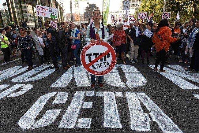 Proteste gegen CETA in Belgien. Das Land hat das CETA-Abkommen heute im EU-Handelsrat blockiert.