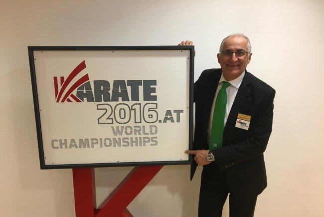 Eckart Neururer bei der Vorbereitung der Karate-WM in Linz