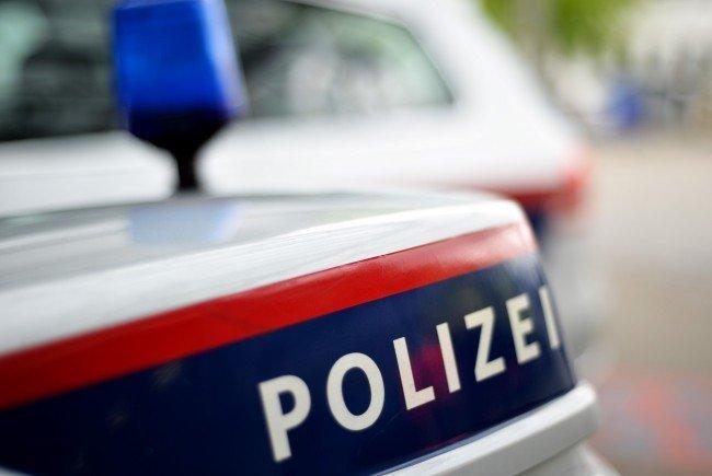 Bei dem Bahnunfall in Niederösterreich wurden den Bundesbahnen zufolge vermutlich sieben bis zehn Menschen verletzt.