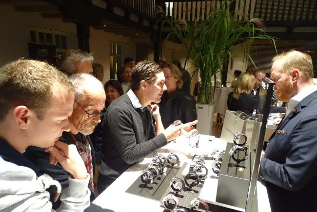 """Zahlreiche Fans mechanischer Uhren kamen zur """"Nacht der Mechanik"""" in den Löwensaal."""