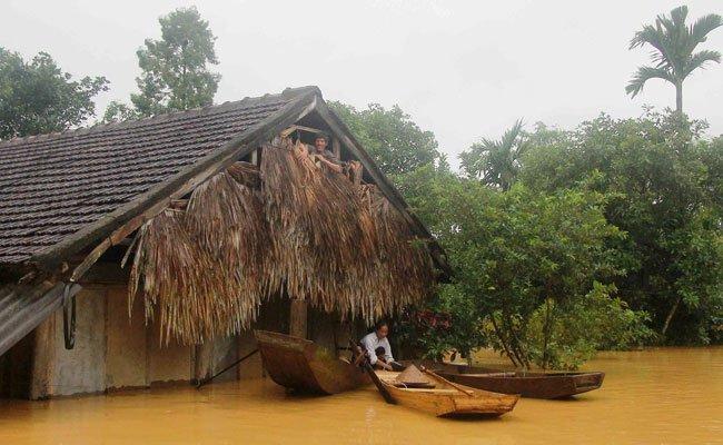 Mehr als 120.000 Gebäude stehen unter Wasser.