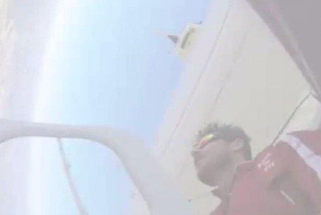 Skydive: Felix Baumgartner bei seinem Basejump aus einem Zeppelin.