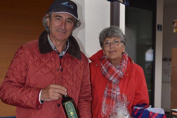 Christine und Mario Pozzini verkaufen Premium-Bio-Olivenöl.