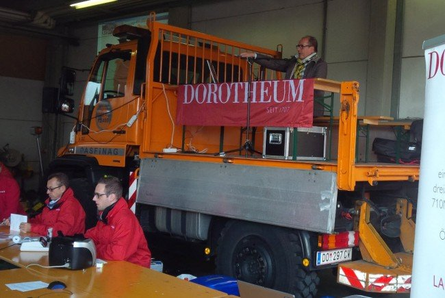 Mehrere Pkw, sieben Lkw, 20 Kasten- und Pritschenfahrzeug sowie zahlreiche Spezialgeräte im Angebot