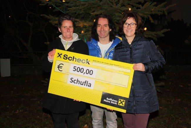 Schuflakomitee: 500 Euro für Stunde des Herzens