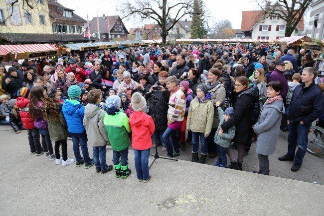 Über 3000 Besucher kamen zum zweitägigen Adventmarkt in Gisingen.