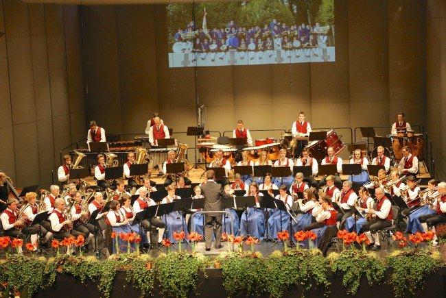 """Mit einem fulminanten Programm überzeugt wiederum der Musikverein Gisingen mit """"DAS KONZERT 2016"""" das Publikum im Montforthaus."""