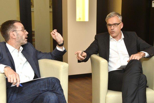 Kickl und Lockl treffen im Report-Studio des ORF aufeinander.