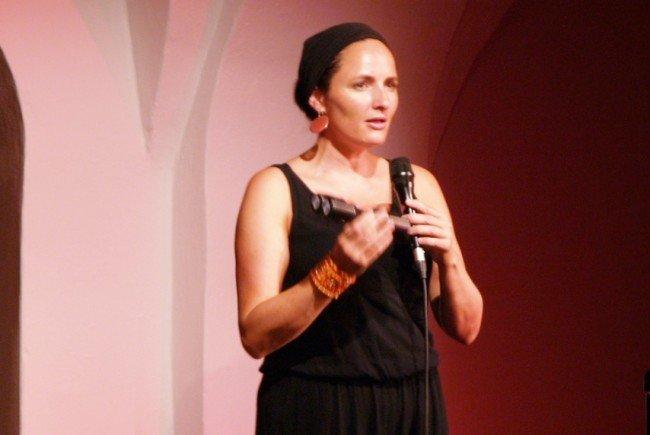 Nach 6jähriger Pause startet Aja Ebele Zischg mit ihrer Band 'aja soul group'  wieder durch.