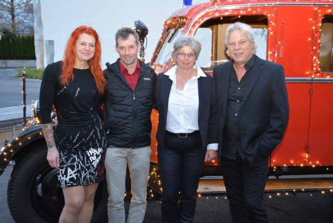 Nicole Speckle, Klaus und Judith Flatz (Naturproduke), Musiker Wolfgang Verocai.