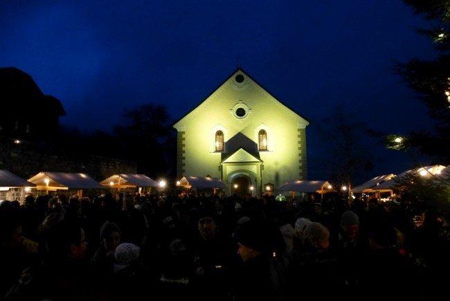 Weihnachtliche Stimmung beim Adventmarkt in Doren
