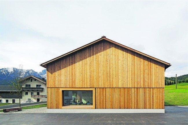 In seiner Anlage orientiert sich Bernardo Bader an der Typologie der alten Bauernhäuser der Region.