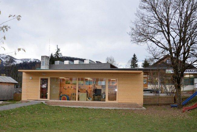 Spielebox bietet neuen platz f r kleinkinderbetreuung for Holzcontainer wohnen