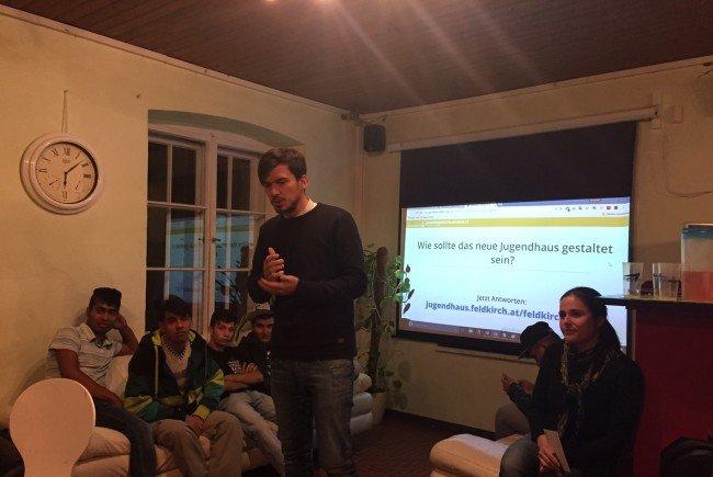 Die Graf-Hugo-Besucher diskutieren bereits eifrig in Sachen neues Jugendhaus mit.