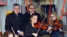 Vorarlberger Künstler treten im Zug auf