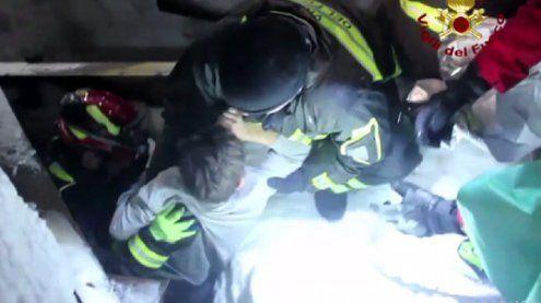 Suche nach Überlebenden aus verschüttetem Hotel geht weiter