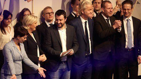 Euro-Rechtspopulisten vollzogen den Schulterschluss in Koblenz