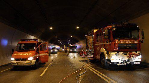 Frontalkollision im Achraintunnel