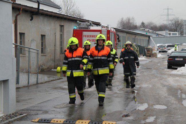 Die Feuerwehr konnte ein Übergreifen der Flammen verhindern.