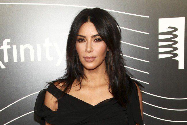 Ihre Fans freut es: Kim Kardashian postet wieder.